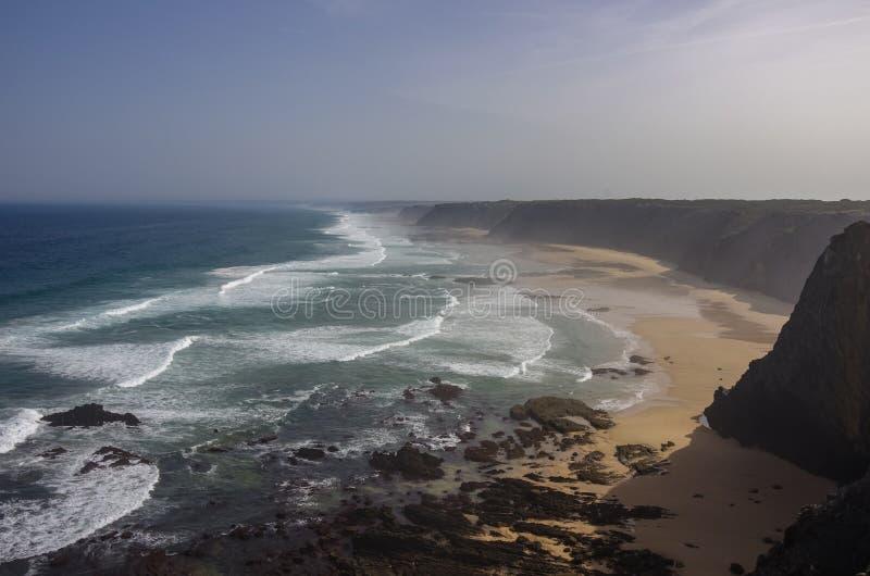 Praia DA Fateixa Ατλαντική παραλία Arrifana στο Αλγκάρβε στοκ φωτογραφία