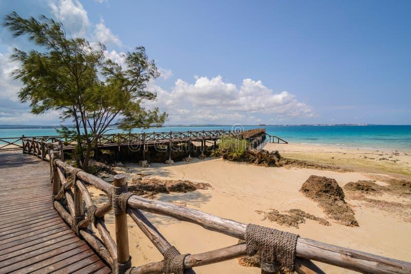 Praia da ilha da prisão de Zanzibar imagem de stock royalty free