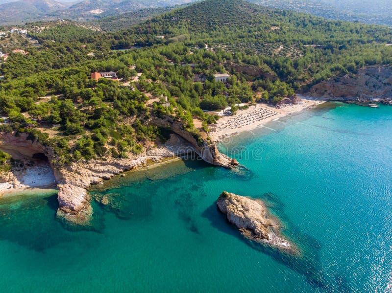 Praia da ilha de Thasos e opinião aérea das baías imagens de stock