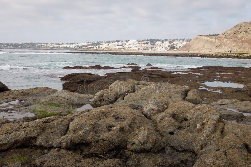 Praia da Luz i låg säsong royaltyfria bilder