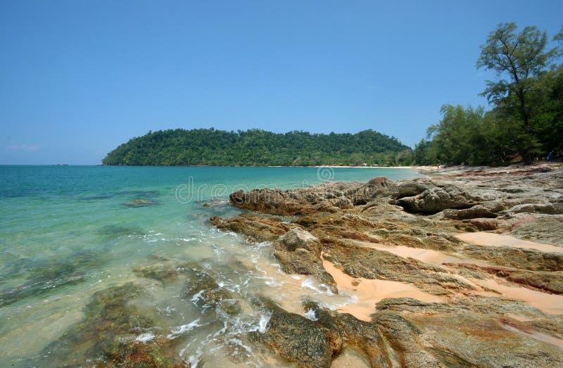 A praia da rocha no Koh Payam. fotografia de stock royalty free