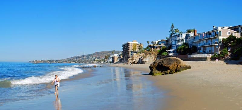Praia da rua da pérola (arco), Laguna Beach, Califórnia imagem de stock