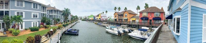 PRAIA DA SESTA, FL - EM FEVEREIRO DE 2016: Vista panorâmica de colorido ho imagens de stock royalty free