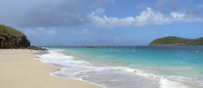 Praia das caraíbas tropical panorâmico fotografia de stock