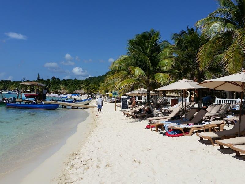 Praia das Honduras de Roatan imagens de stock