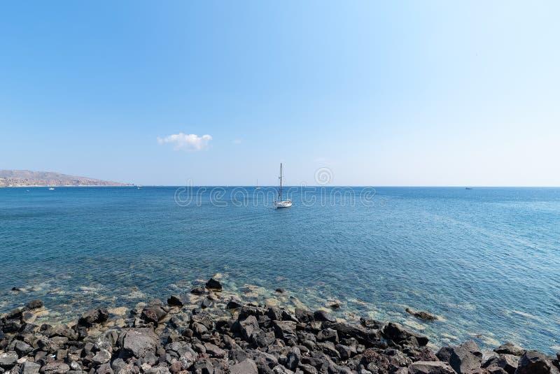 Praia de Akrotiri - ilha de Santorini Cyclades - Mar Egeu - Grécia imagens de stock