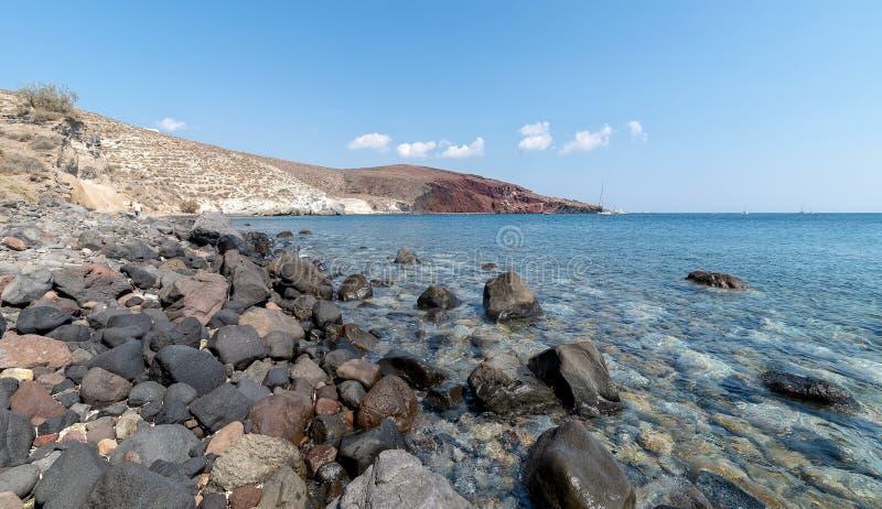 Praia de Akrotiri Kambia - ilha de Santorini Cyclades - Mar Egeu imagens de stock royalty free