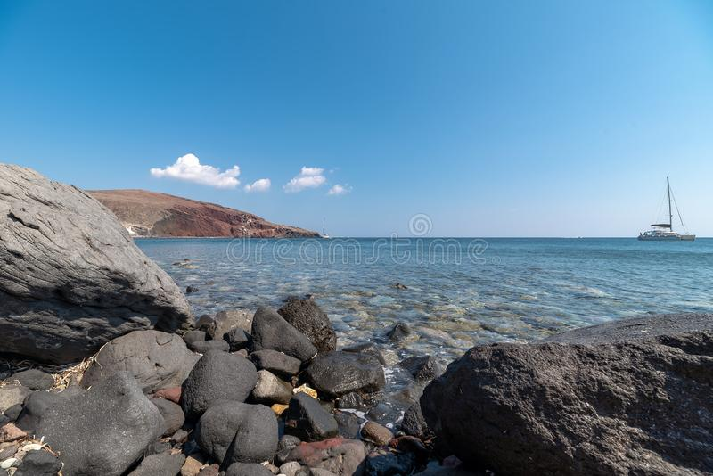 Praia de Akrotiri Kambia - ilha de Santorini Cyclades - Mar Egeu imagem de stock royalty free