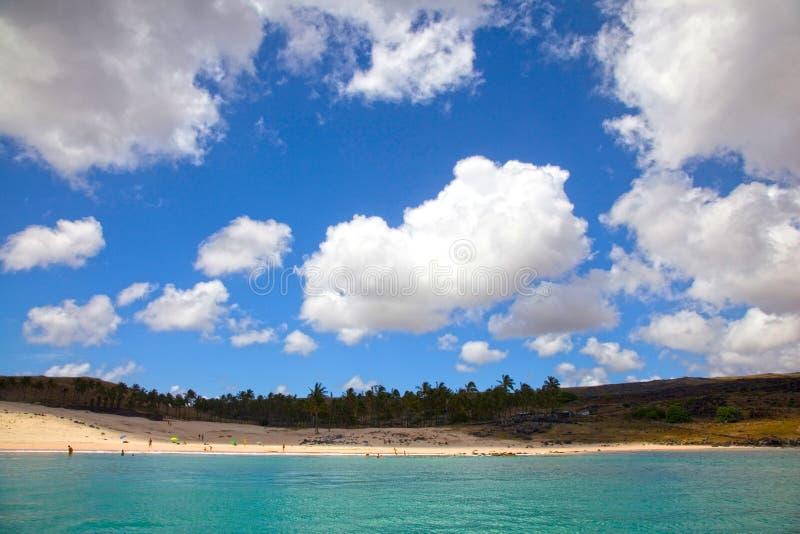 Praia de Anakena, Ilha de Páscoa, o Chile imagem de stock royalty free