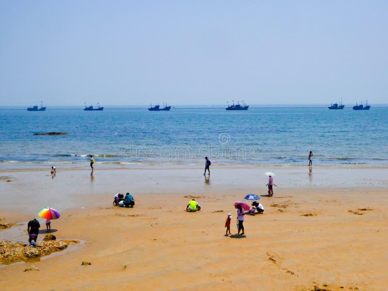 Praia de banho da cidade de Qingdao imagens de stock