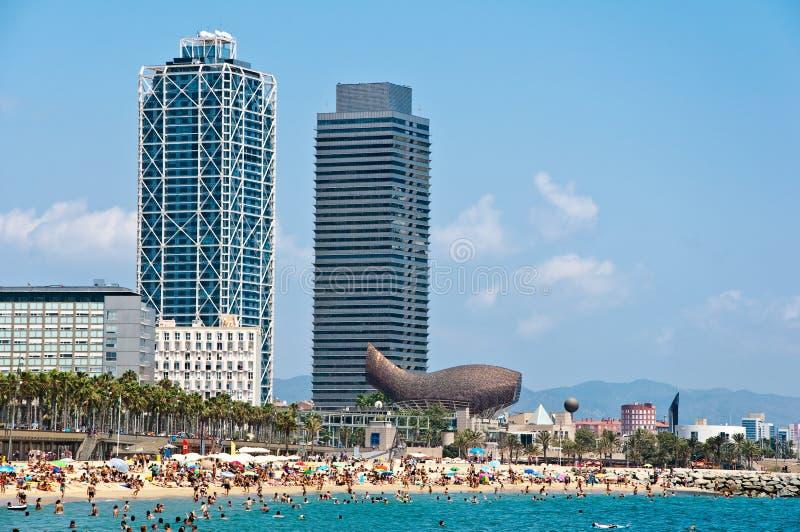 Download A praia de Barceloneta. imagem de stock. Imagem de baía - 26512235