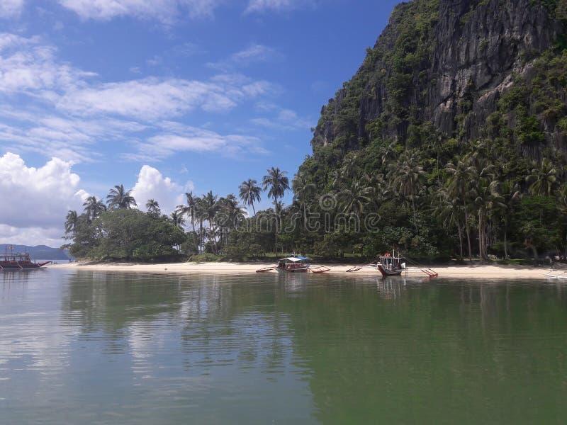 Praia de Barton do porto, as Filipinas imagem de stock