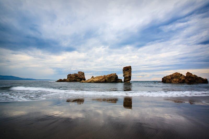 Praia de Bayas, as Astúrias, norte de Spain fotos de stock royalty free