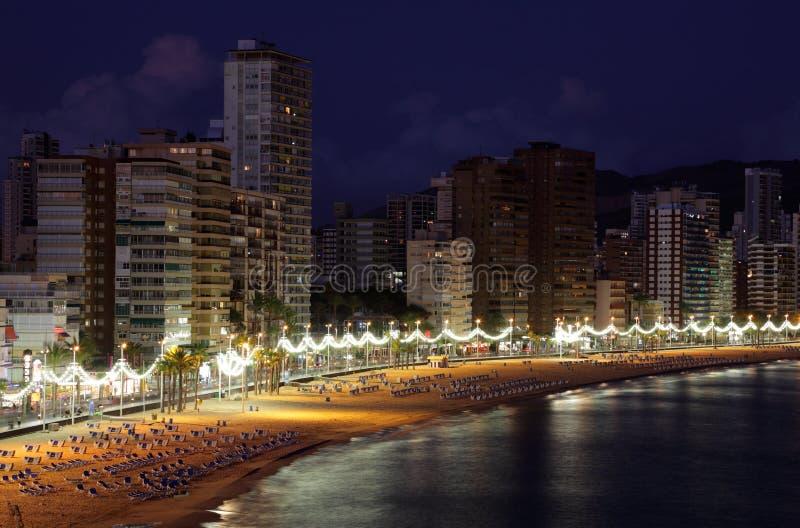 Praia de Benidorm na noite, Spain foto de stock royalty free