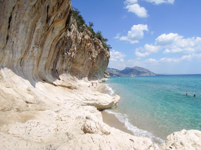 Praia de Cala Luna na baía de Orosei em Sardinia, Itália fotografia de stock
