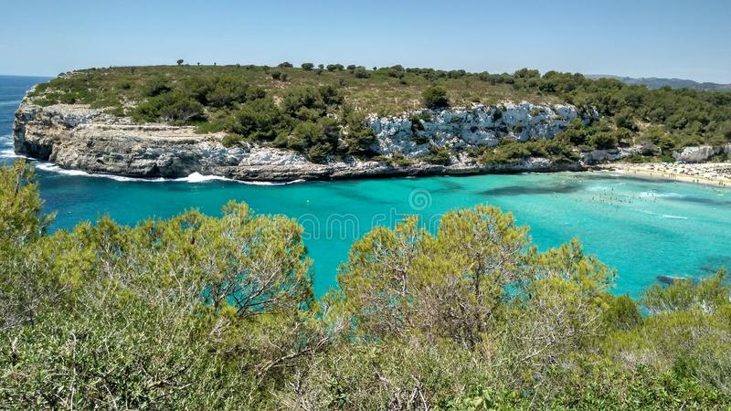 Praia de Cala Romantica em Mallorca imagens de stock
