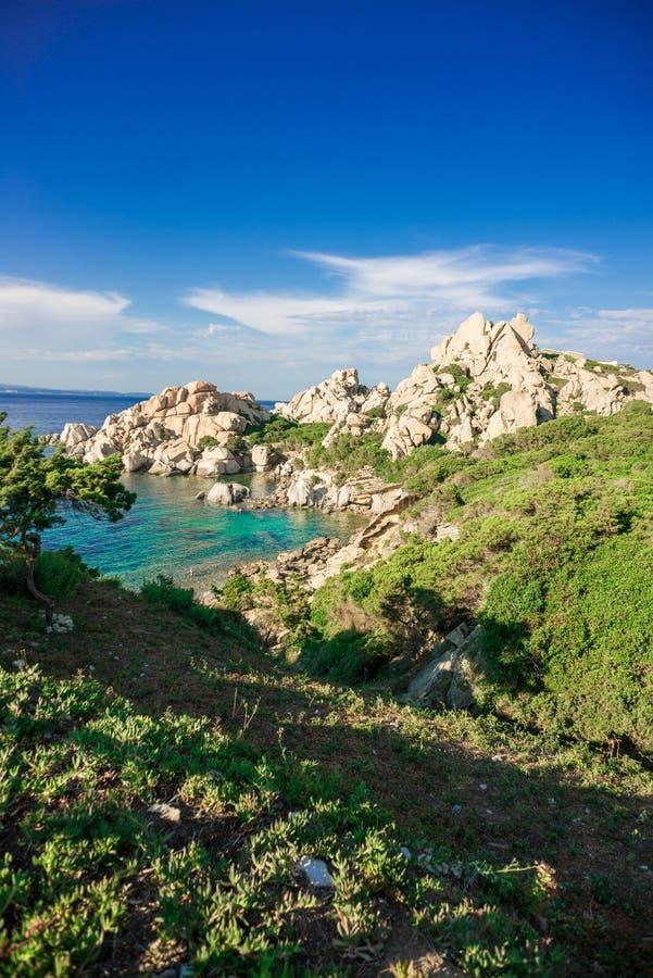 Praia de Cala Spinosa Testa do Capo, ilha de Sardinia, Itália fotos de stock royalty free