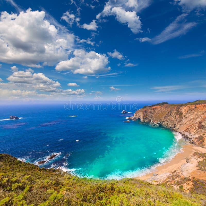 Praia de Califórnia em Big Sur na rota 1 de Monterey County fotografia de stock royalty free