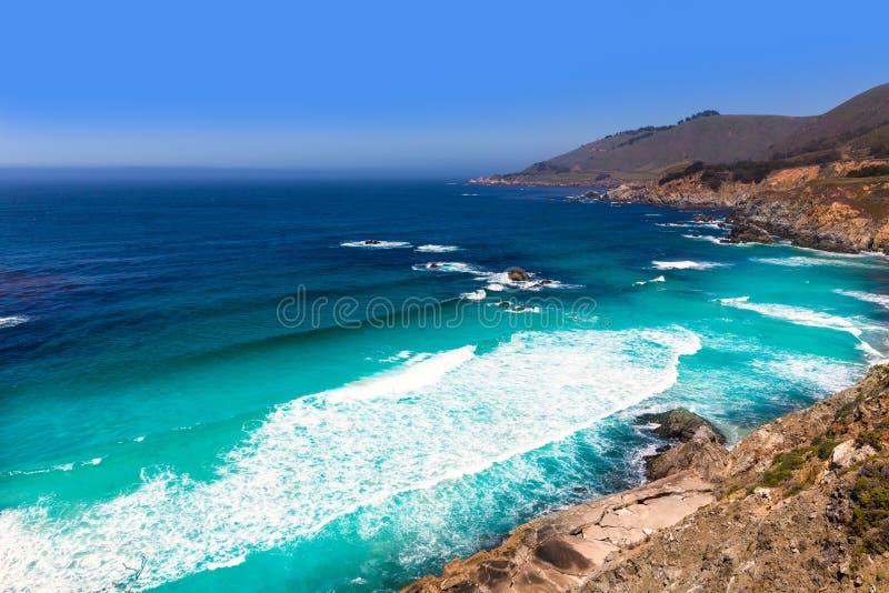 Praia de Califórnia em Big Sur na rota 1 de Monterey County foto de stock royalty free