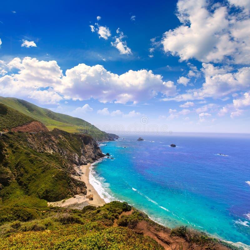 Praia de Califórnia em Big Sur na rota 1 de Monterey County imagens de stock royalty free