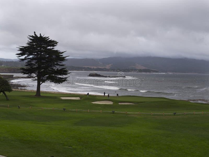 Praia de Carmel em um dia tormentoso imagem de stock royalty free