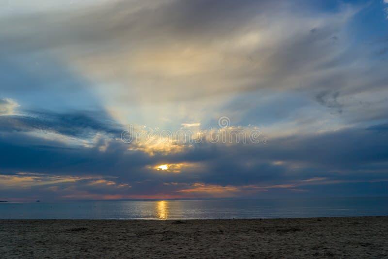 Praia de Cinta do La, alvorecer divino, San Teodoro, Sardinia, Itália fotos de stock royalty free