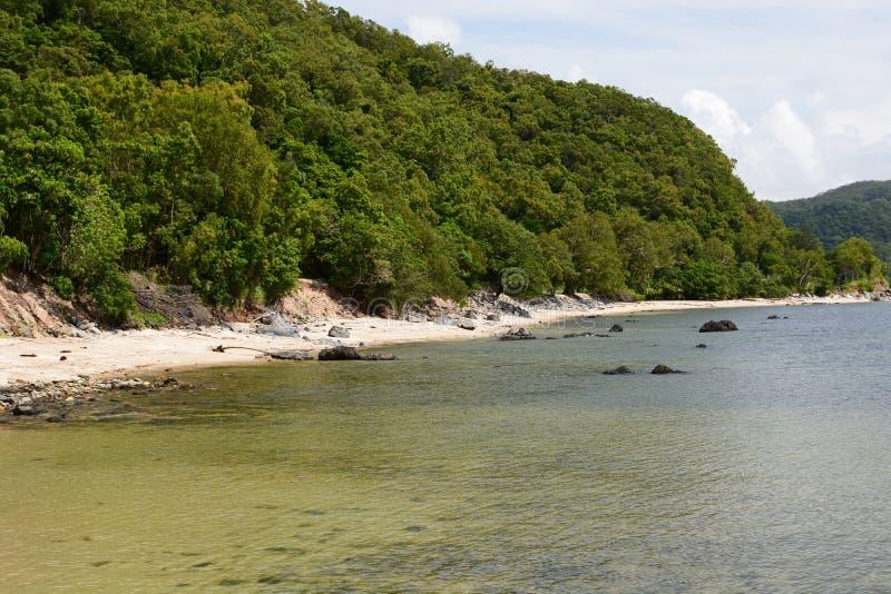 Praia de Cooya Condado de Douglas queensland austr?lia imagens de stock