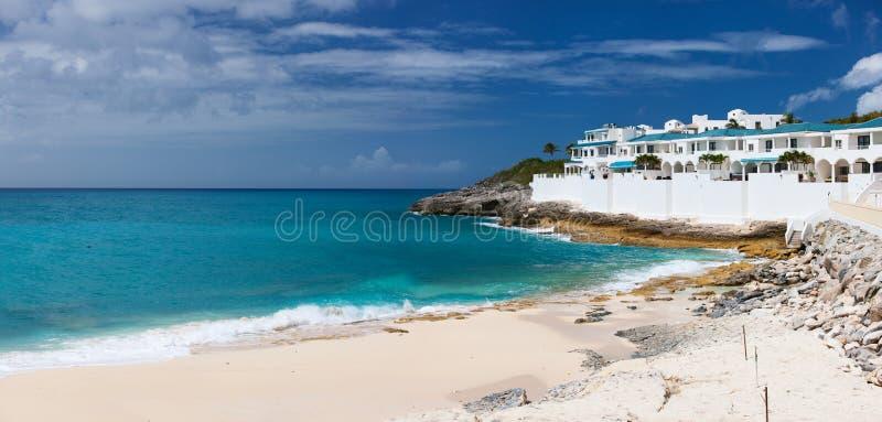 Praia de Cupecoy em St Martin Caribbean fotos de stock