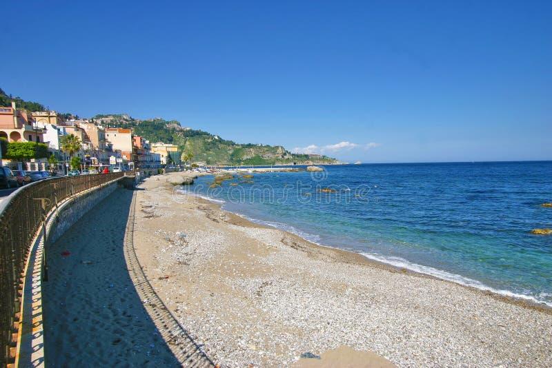 Praia de Giardini Naxos - Sicília fotos de stock royalty free