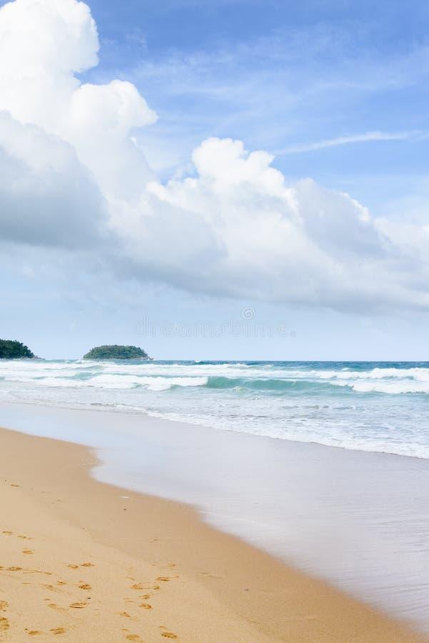 Praia de Karon em phuket fotografia de stock