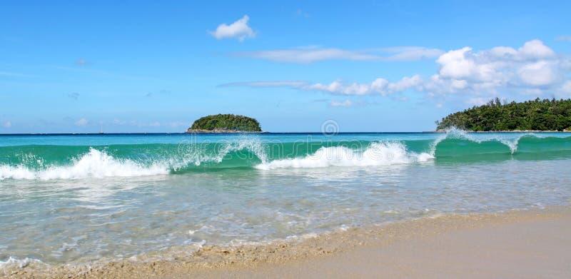 Praia de Kata, Phuket Tailândia imagem de stock