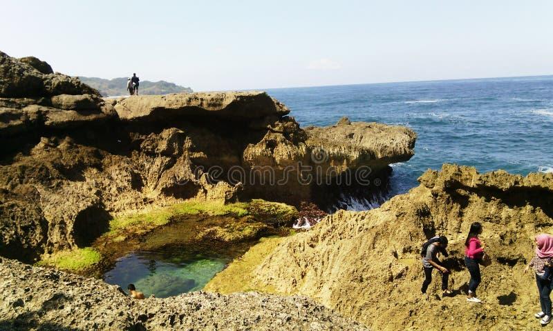 Praia de Kedung Tumpang imagem de stock royalty free