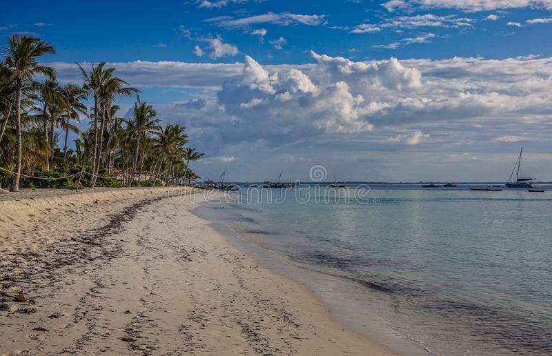 Praia de Kendwa de Zanzibar foto de stock royalty free