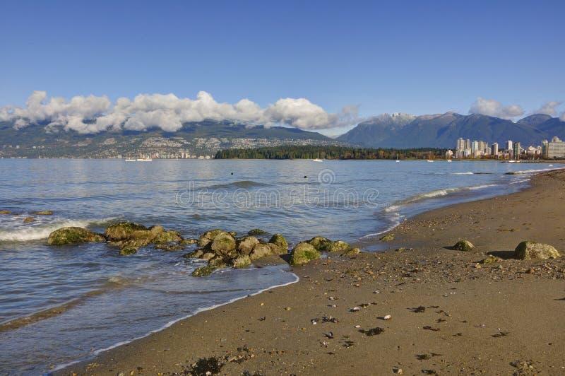 Praia de Kitsilano no outono atrasado fotografia de stock