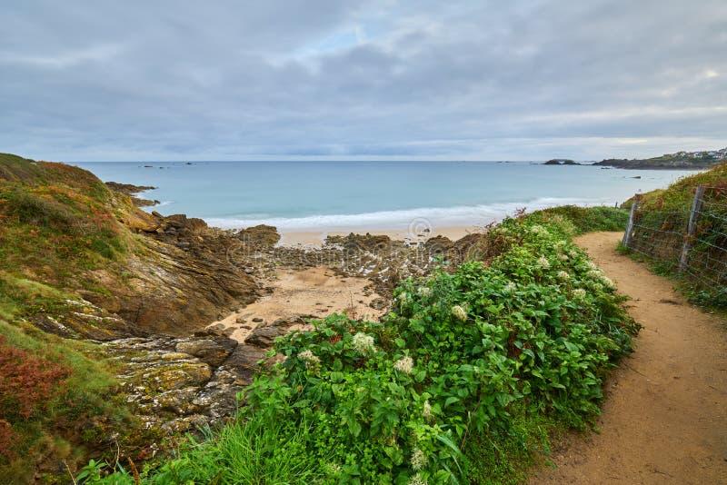Praia de Longchamp entre o la Garde Guerin e Decolle do de do pointe do la fotos de stock royalty free