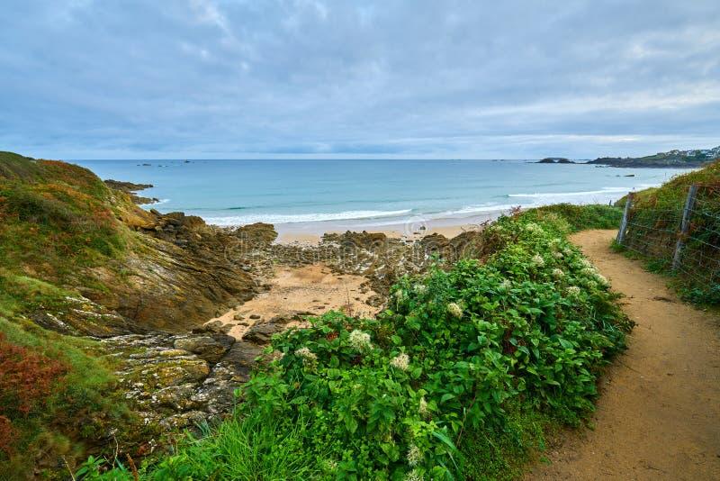 Praia de Longchamp entre o la Garde Guerin e Decolle do de do pointe do la fotografia de stock