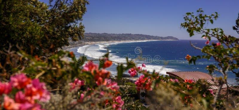A praia de Malibu, sonhos vem verdadeiro imagem de stock