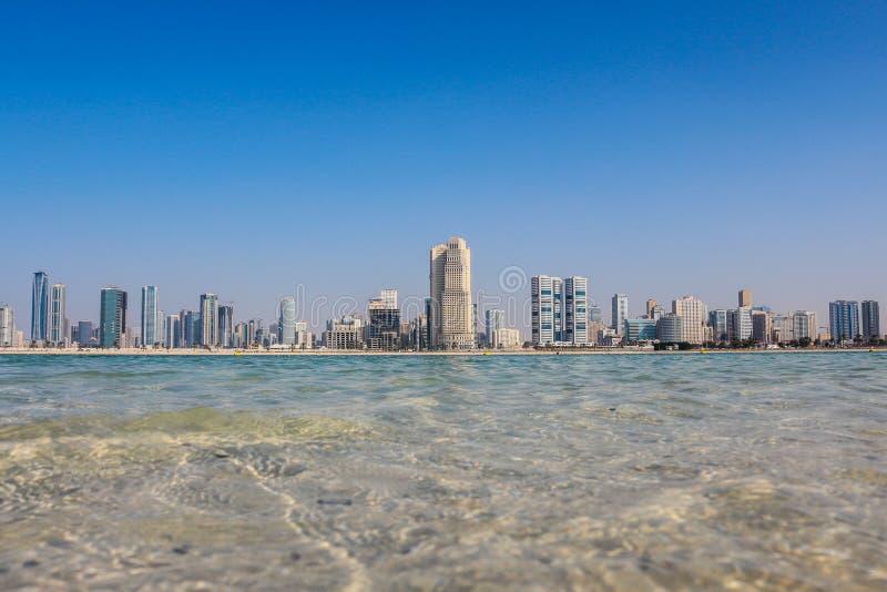 Praia de Mamzar, Dubai, UAE fotografia de stock