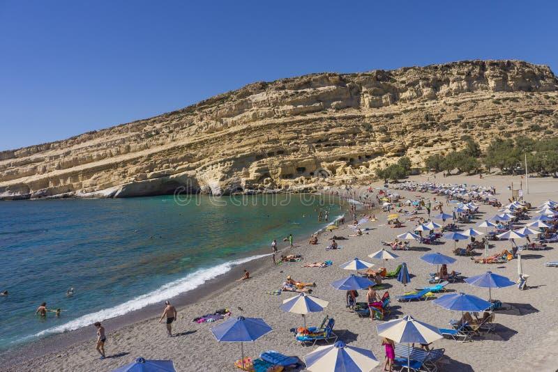 Praia de Matala na ilha da Creta fotografia de stock