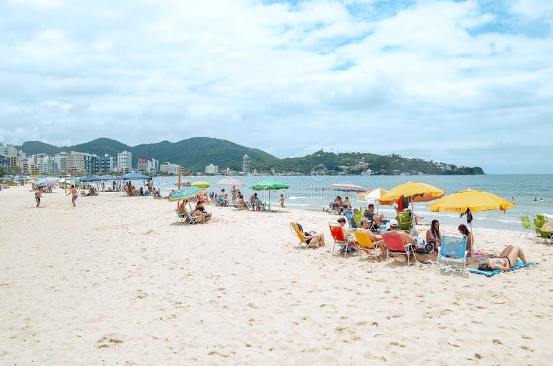 Praia de Meia, SC de Itapema, el Brasil imagenes de archivo