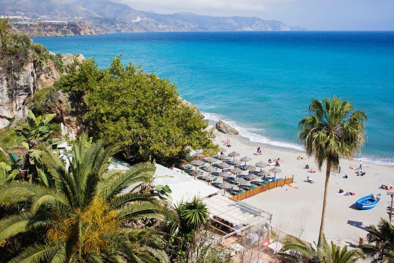 Praia de Nerja em Costa del Sol fotos de stock royalty free