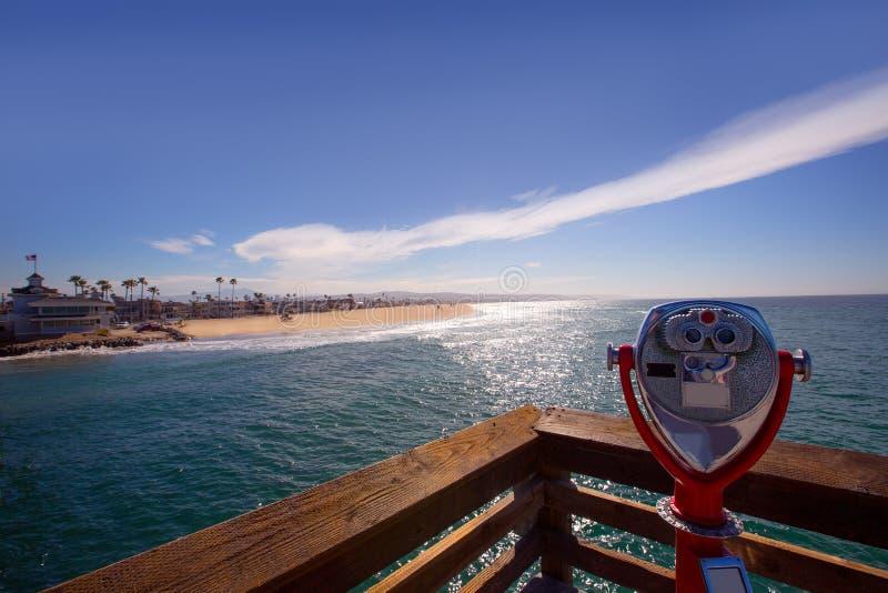 Praia de Newport na opinião de Califórnia do telescópio do cais imagem de stock royalty free