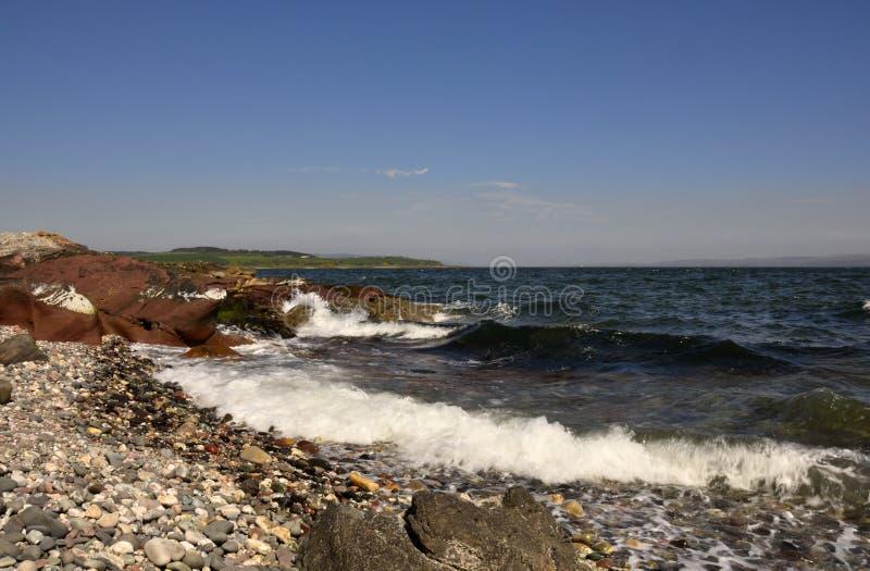 Praia de Pebbled, ilha do Bute imagens de stock royalty free
