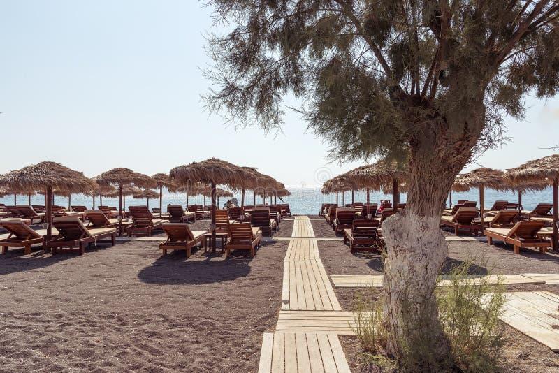 Praia de Perissa - ilha de Santorini Cyclades - Mar Egeu - Grécia imagem de stock