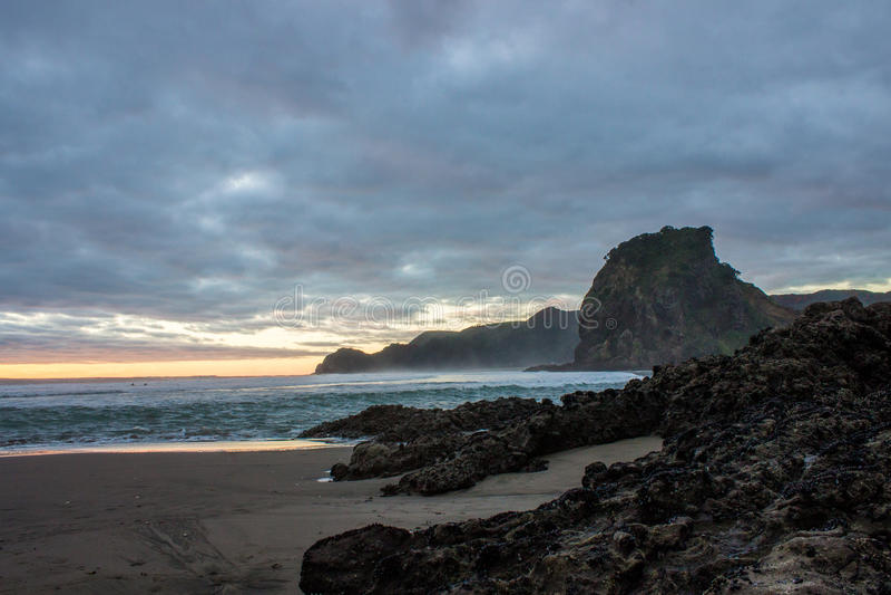 Praia de Piha fotografia de stock
