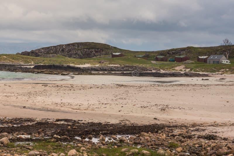Praia de Sandy Mellon Udrigle em Oceano Atlântico, nanowatt Escócia fotos de stock
