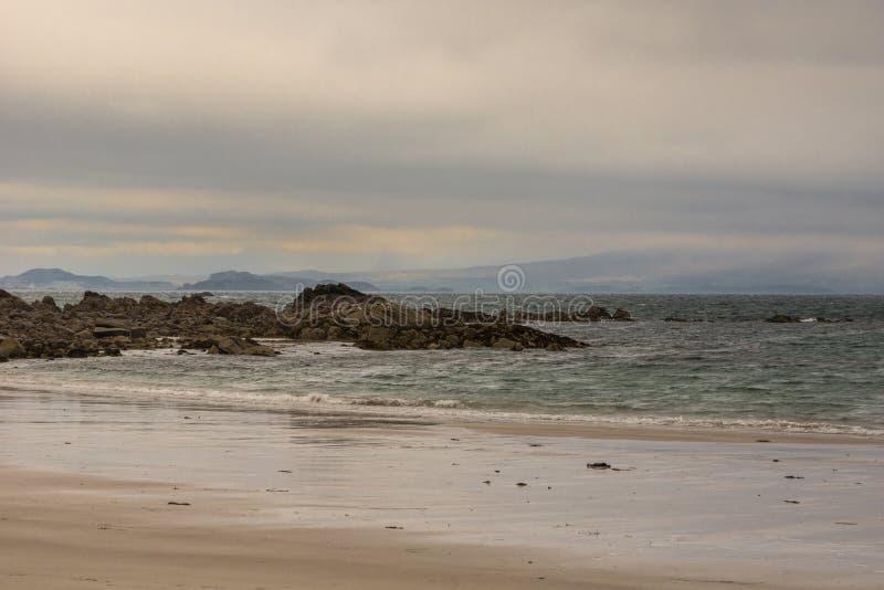 Praia de Sandy Mellon Udrigle em Oceano Atlântico, nanowatt Escócia fotos de stock royalty free