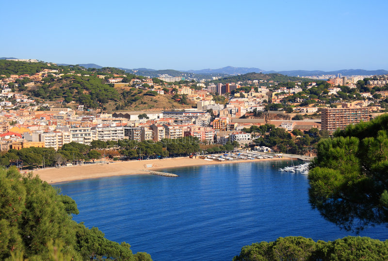 Praia de Sant Feliu de Guixols (costela Brava, Spain) imagens de stock