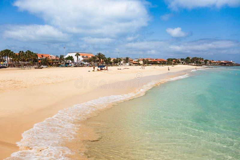Praia de Santa Maria na ilha Cabo Verde - Cabo Verde do Sal fotografia de stock