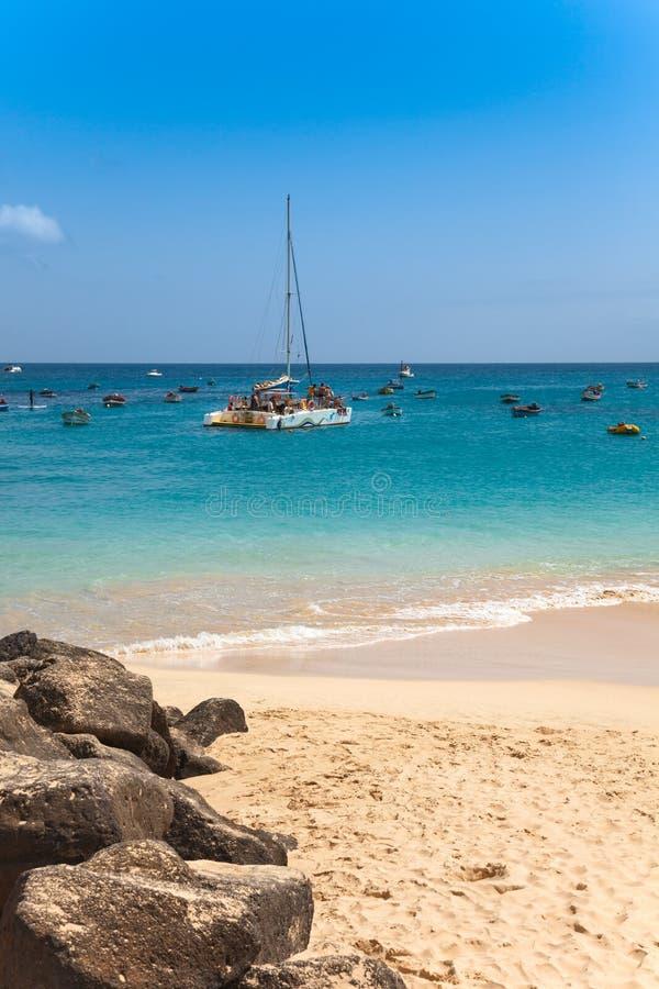 Praia de Santa Maria na ilha Cabo Verde - Cabo Verde do Sal fotos de stock